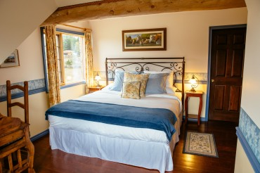 'The Frontier' Ranch House Suite at Siwash Lake Wilderness Resort