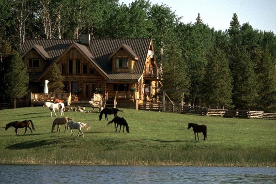The main Ranch House - lakefront luxury lodge with horses - Siwash Lake Wilderness Resort